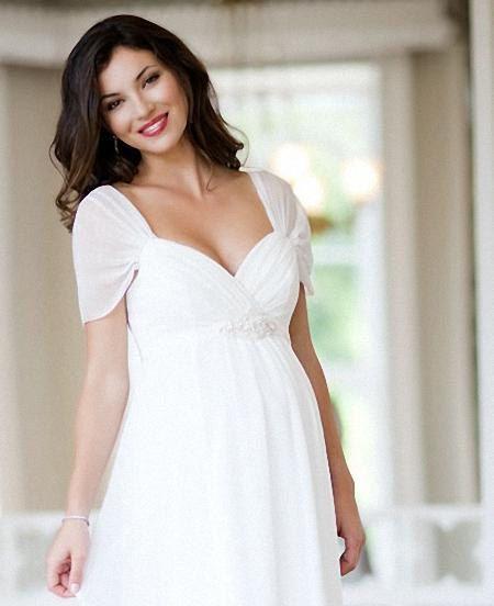 Kalın askılı beyaz hamile elbisesi modelleri