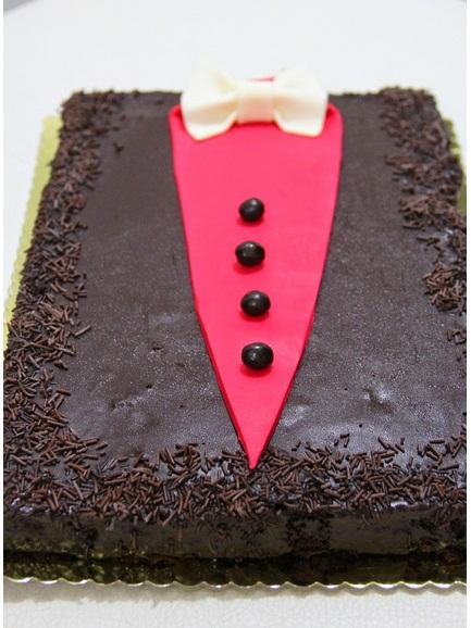 Çikolata Ganajlı Vanilya Aromalı Kek Tarifi