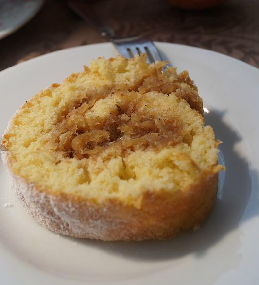 cevizli elmalı rulo pasta