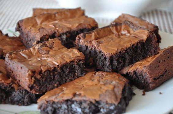Çikolatalı Islak Browni Tarifi