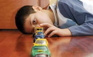 otistik çocuk ne oynar