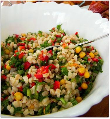 közlenmiş biberli buğday salatası