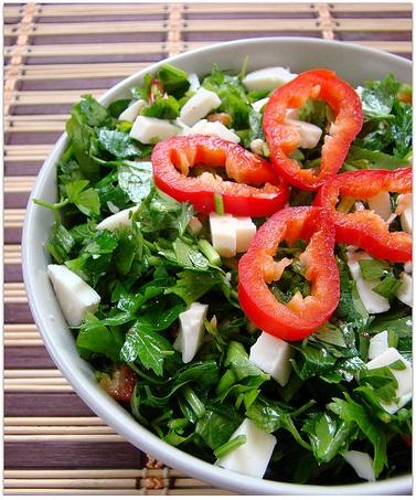 keçi peynirli maydonoz salatası