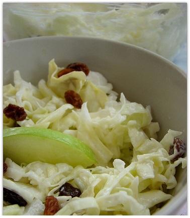 mayonezli beyaz lahana salatası