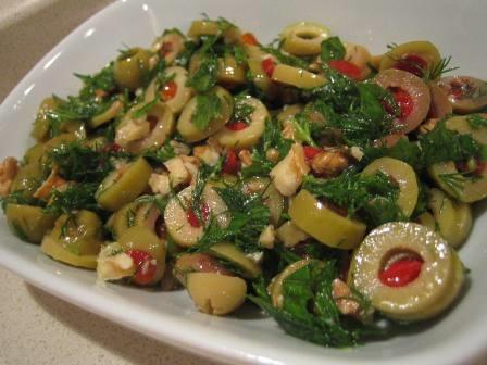 rokalı yeşil zeytin salatası