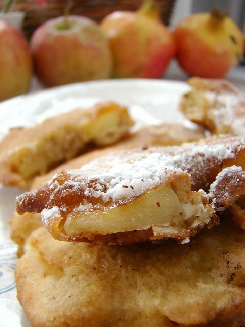 zencefilli elma halkaları kızartması yapılışı